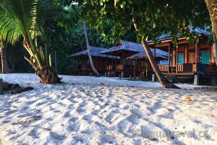 Bungalovy na Siau u pláže