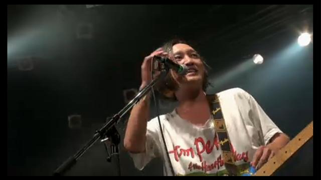 髭のボーカル須藤寿さん