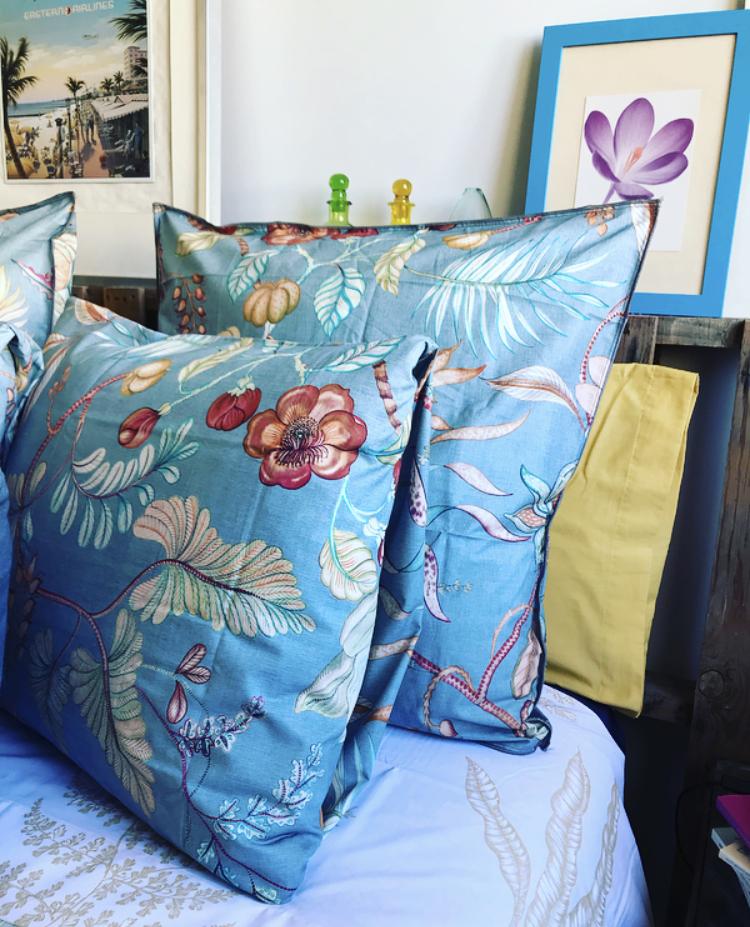 Funda de almohada ramas y flores de Zara Home