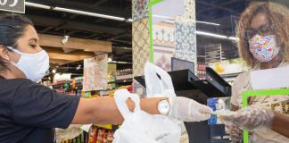 PAHO / Karina Zambrana: Un supermercado en Brasil, durante la pandemia de COVID-19