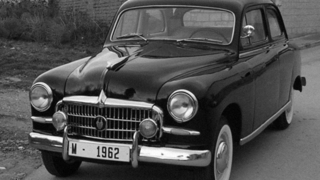 Seat 1400, primer coche de la Seat fabricado en España en 1950