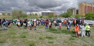 Villa de Vallecas, vecinos convocados por ACEPVIVA colocan la primera piedra de un nuevo instituto el 11ABR2021