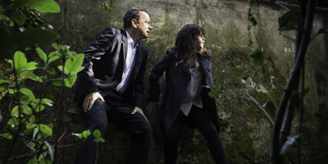 "Tom Hanks y Felicity Jones en una escena de la película ""Inferno""."