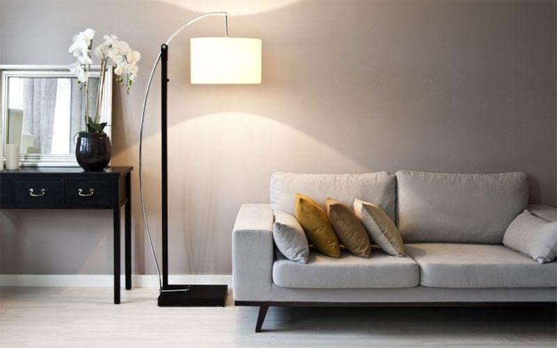 Cómo cambiar la posición del interuptor de la lámpara