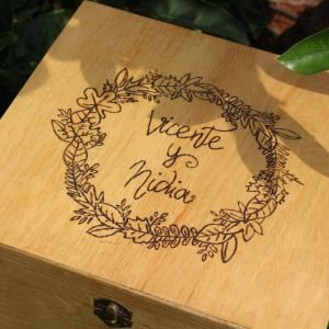 caja madera pirograbada