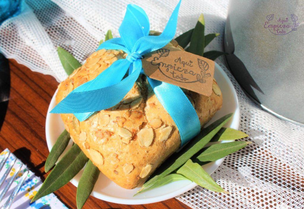 Pan con toque primaveral y olivo