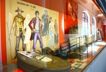 museo del cine vitrine