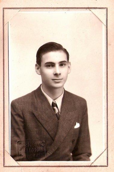 Carlos Tito Hergott, hijo de Paul hergott, sobrino de Charles Hergott.
