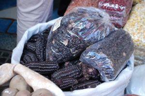 Mercado Boliviano de Liniers_milho preto