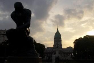 Filosofia Congreso_Nacional_El_pensador_Rodin