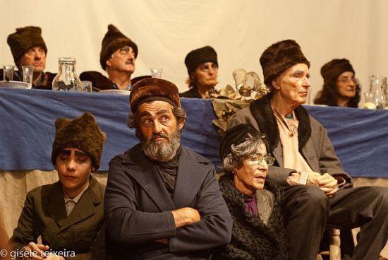 teatro comunitario casamiento anita y mirko rusos