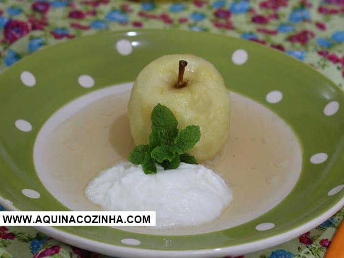 Sobremesa de Maçã Cozida