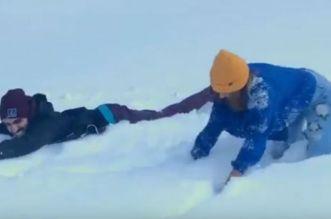 فيديو مضحك للإخوان بلمير وسط الثلوج