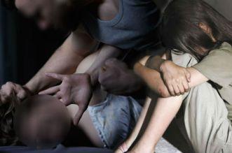 توقيف متسول مارس الجنس على متسولة بالعنف أمام أنظار طفلتها
