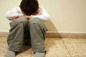 مؤلم.. 3 أشخاص يعتدون على طفل قاصر داخل بيت مهجور