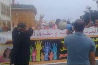 بالفيديو.. مطالب بإطلاق سراح والد طفلة توفيت بمستشفى في الجديدة