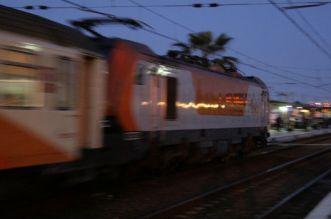 بعد فاجعة بوقنادل.. قطار يدهس شخصا بالدا البيضاء