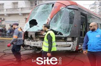 بالفيديو.. إصابة 6 أشخاص في حادثة سير خطيرة بين الطرامواي وشاحنة بكازا