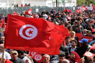 """حركة """"السترات الصفراء"""" الفرنسية تلهم المحتجين في عدد من الدول العربية"""
