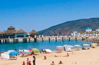 مغاربة غاضبون بسبب ارتفاع أسعار المبيت والمطاعم في مدن الشمال