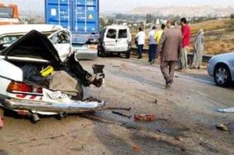 مصرع امرأة وإصابة آخرين بينهم أجانب في حادث مروع