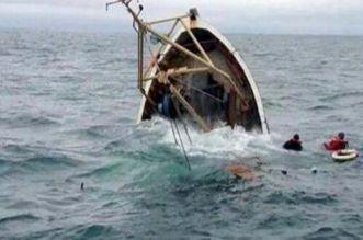 تونس.. إنقاذ 9 أشخاص وانتشال جثتين في غرق مركب للهجرة السرية