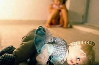 شاب يغتصب طفلة ويعتدي على جدتها بتاونات