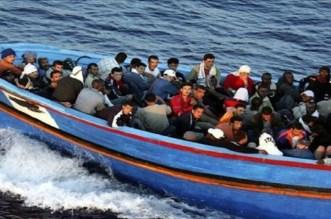 إيقاف 110 مهاجر سري على متن زورق للصيد بالسواحل التونسية