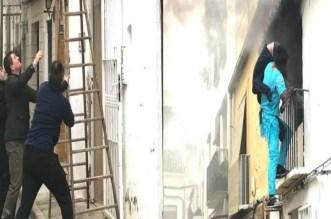 مهاجر مغربي مجهول يقف أمام النيران وينقذ مواطنا إسبانيا