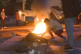 إصابة العشرات خلال مواجهات بين متظاهرين وقوات الأمن بلبنان – فيديو