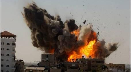 """الطائرات الإسرائيلية تقصف مقر """"المجلس التشريعي"""" في غزة"""