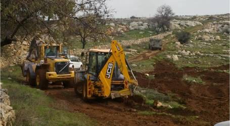 """جرافات إسرائيلية تخرق """"خط وقف إطلاق النار"""" مع سوريا وتبدأ بإقامة سواتر ترابية"""