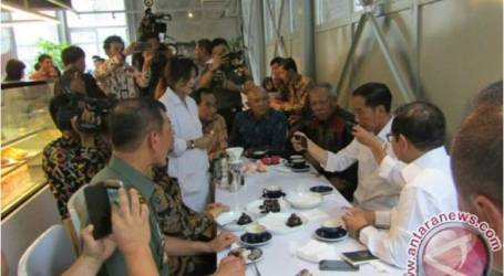 الرئيس جوكوي يختار قهوة فلوريس في باندونغ