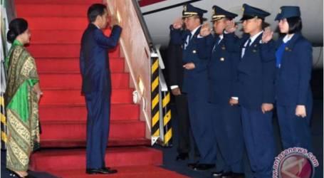 الرئيس جوكو ويدودو يصل إلى إندونيسيا بعد زيارة أستراليا ونيوزيلندا