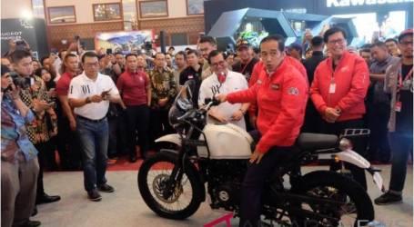 الرئيس جوكو ويدودو يشجع تصدير منتجات السيارات