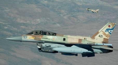 """الجيش الإسرائيلي يقصف موقعين لـ""""حماس"""" بقطاع غزة"""