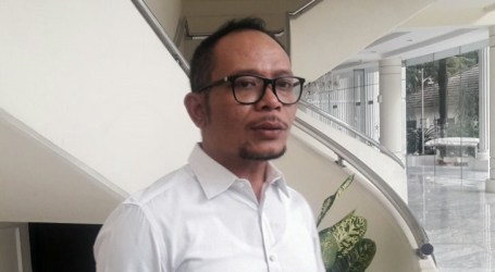 وزير القوى العاملة يشيد بالسلام يوم عيد العمال في إندونيسيا