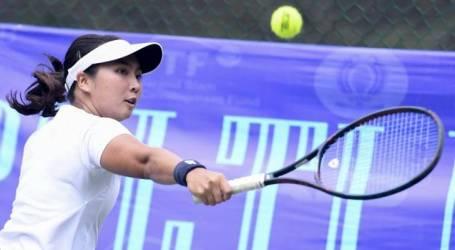 لاعبة التنس الإندونيسية أديلا سوتجيادي تفوز بلقب زوجي السيدات في تايلاند