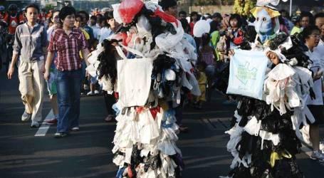 موكب جاكرتا لرفض الأكياس البلاستيكية ذات الاستخدام الواحد
