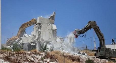 وقفة بغزة رفضا لعمليات هدم المنازل بالقدس