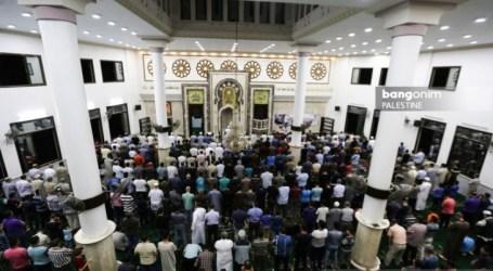مئات المسلمين في غزة يؤدون صلاة الغائب على روح الراحل حبيبى
