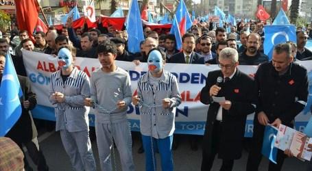 آلاف الأتراك يحتجون ضد القمع الصيني لمسلمي الأويغور