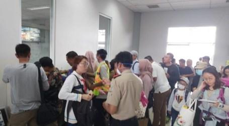 يجب على عمال الصحة الإندونيسيين في تاراكان ارتداء أقنعة وقفازات طبية