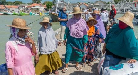 كوفيد -19 يؤثر على سبل عيش الملايين من عمال جاوة الشرقية