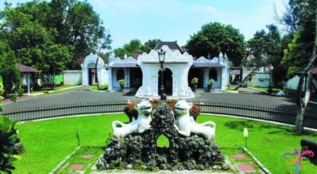 افتتاح قصر كاسيبوهان في سيريبون بعد إغلاق دام ثلاثة أشهر