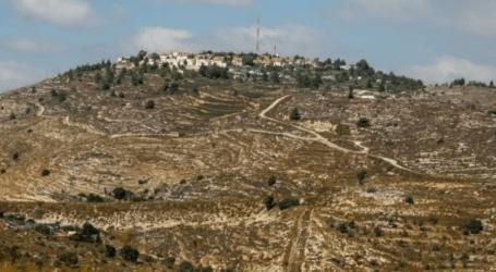 """فلسطينيون ينددون بنية """"بومبيو"""" زيارة مستوطنة بالضفة"""