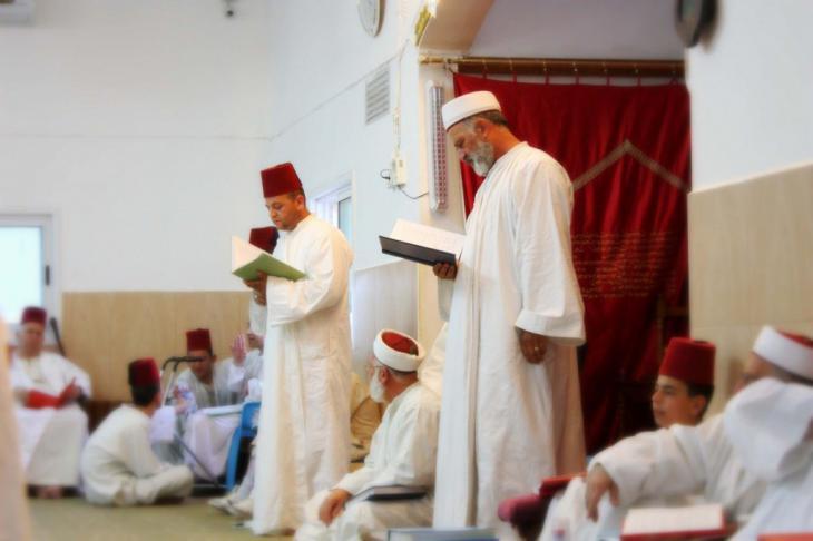 Samaritans in the synagogue (photo: samaritans-museum.com)