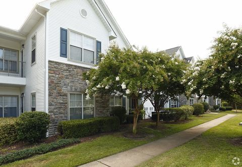 Photo Of 1530 Wimbledon Dr Greenville Nc 27858 Apartment For