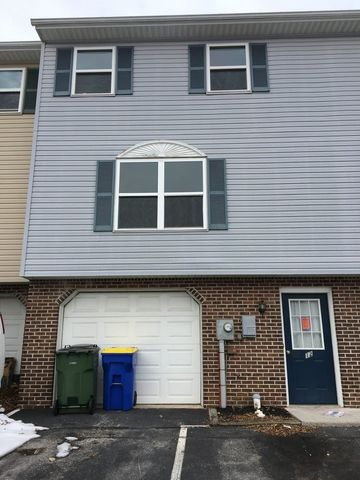 Photo Of 12 Pine Dr Manchester Pa 17345 House For