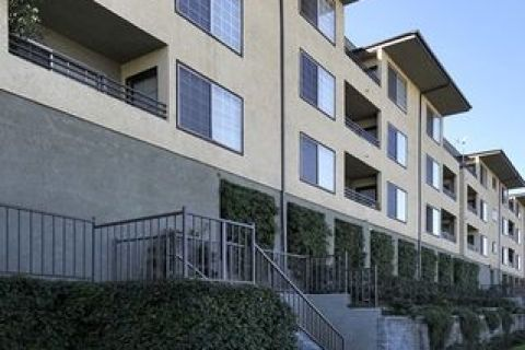 Photo Of 2750 2850 Riverside Dr Los Angeles Ca 90039 Apartment For